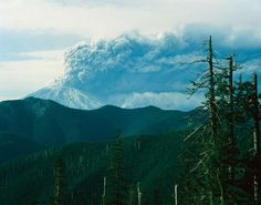 Mount St. Helens - Steve Terrill/Getty Images