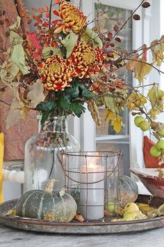 This table has a beautiful fall vignette. It's amazing what you can pull together with just items from the outdoors. This fall floral bouquet is perfect for the table. Inspiring Farmhouse Fall Decor on Frugal Coupon Living. Fall Home Decor, Autumn Home, Holiday Decor, Diy Autumn, Autumn Ideas, Seasonal Decor, Fall Vignettes, Vibeke Design, Autumn Decorating