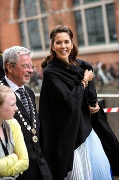 MYROYALS &HOLLYWOOD FASHİON:  Crown Princess Mary opened the Copenhagen Fashion Summit, April 24, 2014.
