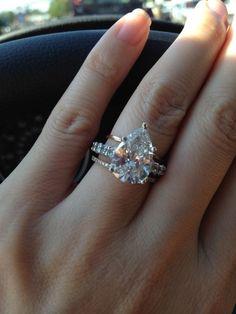 pear shaped diamond wedding ring