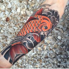 35 Traditional Japanese Koi fish Tattoo Meaning and Designs - True Colors Check more at http://tattoo-journal.com/30-breathtaking-photos-of-koi-fish-tattoo-designs/