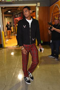 Los Angeles with style, Jordan Clarkson!