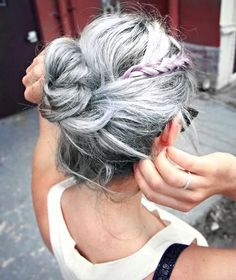 We're completely in love with this easy up-do style. #GreyHair #BeautyTrends