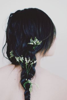 `.Lovely Flower'd Hair, in that elusive BlueBlack Shade I'd Love to Find - Broken Link.