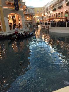 It was in Venice Hotel in Las Vegas, it's huge. Las Vegas Hotels, Time Travel, Venice Hotel, Pictures, Hotels In Las Vegas, Photos, Grimm