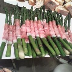 Effortless appetizer for a party that looks quite fancy. Cold Asparagus with Prosciutto and Lemon.