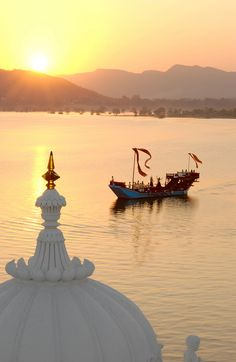 Lake Picola in Udaiphur, India.