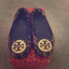 """Spotted while shopping on Poshmark: """"Tory Burch Flats""""! #poshmark #fashion #shopping #style #Tory Burch #Shoes"""