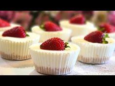 No Bake Desserts, Easy Desserts, Delicious Desserts, Dessert Recipes, Easy Mini Cheesecake Recipe, Cheesecake Squares, 16 Cake, Mini Cheesecakes, Fun Recipes
