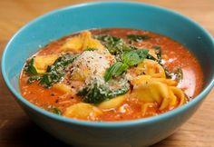 Paradicsomos tortellini leves Tortellini, Ravioli, Thai Red Curry, Cooking, Ethnic Recipes, Food, Baking Center, Kochen, Hoods