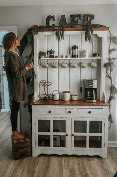 Coffee Nook, Coffee Bar Home, Diy Coffe Bar, Coffee Bar Ideas, Coffee Bar Design, Coffee Bars, Diy Bar, Furniture Makeover, Diy Furniture