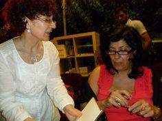 Almudena con Lola de la Librería Lapiceros, firmando libros by Biblioteca Municipal Valdepeñas