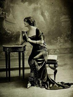 Les Modes (Paris) 1912. Robe du Soir par Buzenet.    Robe du Soir 1912. by .pintuck on Flickr