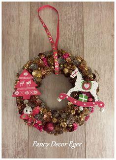 Christmas Wreaths, Christmas Decorations, Christmas Ornaments, Holiday Decor, Fancy, Home Decor, Decoration Home, Room Decor, Christmas Jewelry