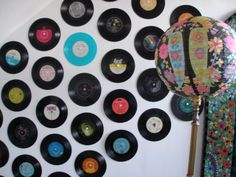 I taped records to my dorm walls senior year and got tons of compliments! I would love to decorate my classroom with them, too. Record Wall Art, Record Decor, Band Rooms, Cool Dorm Rooms, Dorm Walls, Vintage Vinyl Records, Elementary Music, Music Class, Room Themes