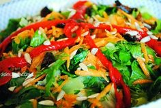 σαλάτα μαρούλι λιαστή ντομάτα 1 Caprese Salad, Salsa, Mexican, Ethnic Recipes, Food, Eten, Meals, Salsa Music, Diet