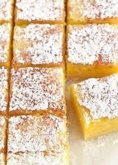 Aroma de lamaie din prajitura asta te cucereste definitiv – Cum faci o prajitura pufoasa cu lamaie
