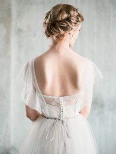 Amur  weißen Tüll Boho Brautkleid mit Ärmeln von Milamirabridal