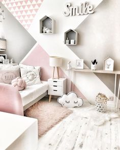 132 cute and girly bedroom decorating tips for girl 19 Teen Room Decor, Room Decor Bedroom, Bedroom Ideas, Bedroom Decorating Tips, Girl Bedroom Designs, Teenage Room, Teenage Bedrooms, Girl Bedrooms, Kids Room Design