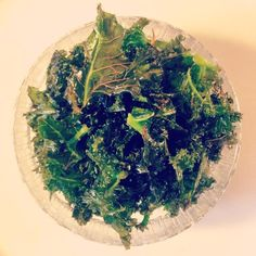 Loving this healthy alternative ; Kale Crisps, Guilt Free, Healthy Alternatives, Yummy Treats, Goodies, Chips, Baking, Sweet Like Candy, Gummi Candy