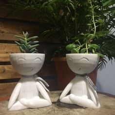 New Arrival, the cutest Zen Planter. We create this lovely pot in the Lotus position to remind us about pure spirit. :) Be Zen, Be Happy :) Impression 3d, Position Du Lotus, Biscuit, Zen, Modern Plant Stand, 3d Prints, Vase, Diy Home Crafts, Make A Donation