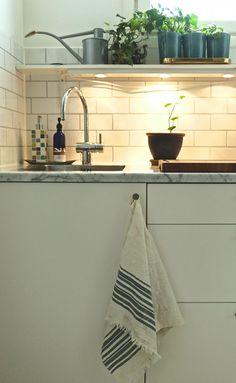 Tea towel Samuji Koti / Keittiöpyyhe Samuji Koti Textile Design, Tea Towels, Furniture, Home Decor, Dish Towels, Decoration Home, Room Decor, Home Furnishings, Home Interior Design