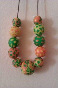 Collana Vitaminica - se vi piace questa collana visitate il mio blog http://chiaracreazioniinfimo.wordpress.com/2013/06/14/collana-vitaminica/