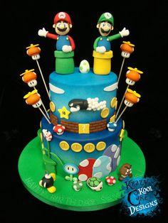 Tarta de cumpleaños de Mario y Luigi.