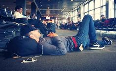 So, can you imagine seeing 6 feet, 4 inches of this at the airport? -- Sam Hunt!!!!!!