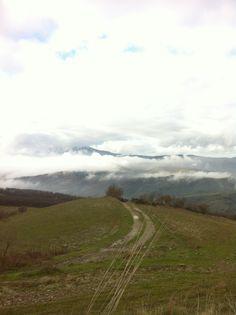 Verso Radicofani, la nebbia finalmente si alza in #terredisiena