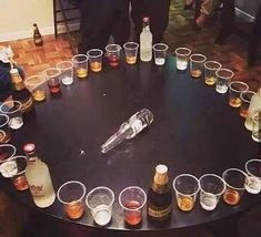 House Party Ideas Alcohol Games Plays New Ideas Home Party Games, Slumber Party Games, Adult Party Games, Adult Games, Guys 21st Birthday, Adult Birthday Party, Birthday Ideas, Birthday Games, Christmas Games For Family