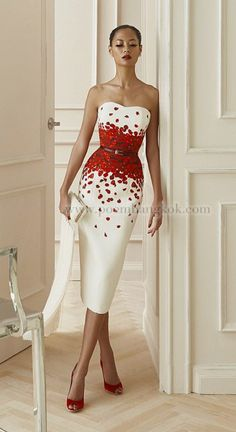 Cream and red dress - Cream and red dress Source by - Classy Dress, Mode Style, Cocktail Movie, Cocktail Sauce, Cocktail Shaker, Cocktail Recipes, Cocktail Party Effect, Cocktails, The Dress