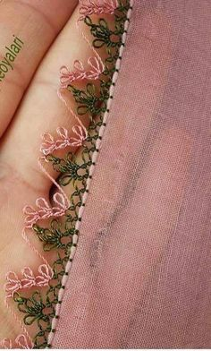 İgne oyası - Salvabrani Crochet Unique, Crochet Lace Edging, Filet Crochet, Seed Bead Tutorials, Beading Tutorials, Thread Art, Needle And Thread, Needle Lace, Lace Making