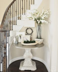 Round Entry Table, Entry Tables, Sofa Tables, Foyer Table Decor, Entryway Decor, Foyer Decorating, Decorating Ideas, Spring Home, Dorm Decorations