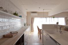 #キッチン #ダイニング #LDK #kitchen #dining #オリジナルキッチン #造作キッチン #造作 #ダイニングテーブル #チェア #タイル #カウンターキッチン  #リノベーション #EcoDeco #エコデコ #Y様邸清澄白河 Home Interior Design, Alcove, Bathtub, House Design, Kitchen, Standing Bath, Bathtubs, Cooking, Bath Tube