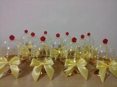 Mini cúpulas decoradas para doces,com base dourada , para dar aquele charme especial à sua festa .  Fazemos qualquer tema.  Preço unitário,  Pedido mínimo de 12 peças.  Decorada com pedrinhas adesivas amarelas ,rosa adesiva vermelha e laço amarelo.