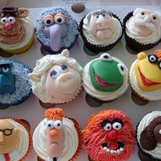 Scott would love me if I made these, but I do not have the decorating talent...