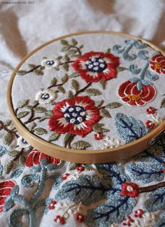 YUMIKO HIGUCHI. embroidery.