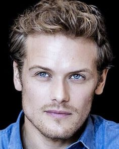 Wow !!  Sam Heughan everyone ❤