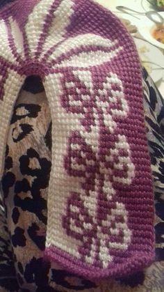 , Crochet Boot Socks, Knitting Socks, Baby Knitting Patterns, Crochet Patterns, Loop Knot, Tunisian Crochet Stitches, Crochet Squares, Mittens, Christmas Sweaters