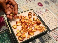 Slideshow : Fake stones threaten Lanka's gem trade - Fake stones threaten to undermine Sri Lanka's gem trade - The Economic Times