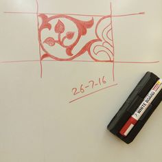 #islamic #floral #design on #whiteboard this is a repeating pattern which can be used as a #border #element  #الزخارف_الإسلامية #شريط_الزخرفة