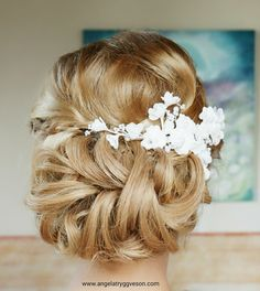 Hair updo Wedding Hairstyle with hair accessories by #angelatryggveson #angelasmakeupstyling #bridalhair #weddinghairideas #hairupdo #wedding #bride #gougershair