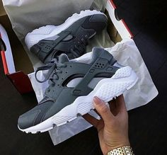 official photos 5bc67 d9d8a Mens Womens Nike Shoes Nike Air Max, Nike Shox, Nike Free Run Shoes, etc.  of newest Nike Shoes for discount sale