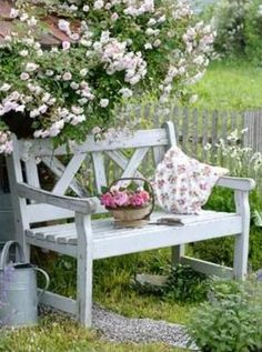 Garden design Ideas with potted flowers make the garden an oasis of well-beingpotted flowers garden bench garden plants Source by susannesonnenblume. Garden Cottage, Rose Cottage, Shabby Chic Garden, Cottage Style, The Secret Garden, Design Jardin, Garden Seating, Garden Benches, Outdoor Garden Bench