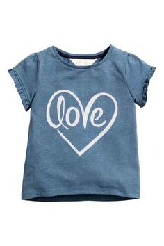 Top in cotton jersey with a motif on the front and short, frill-trimmed puff sleeves. Slightly longer at the back. Best Friend Shirts, Dad To Be Shirts, T Shirts For Women, Stylish Toddler Girl, Painted Clothes, Girls Blouse, Love Shirt, Kids Outfits Girls, Kids Prints