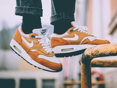 Nike Air Max 1 Curry - 2003 (by j3nvisual)