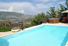 Up to 5 sleeps villa in Syvota, Lefkada. Features private pool and jacuzzi. www.luvire.com