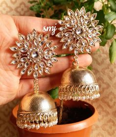 Indian Jewelry Earrings, Fancy Jewellery, Fancy Earrings, Jewelry Design Earrings, Indian Wedding Jewelry, Stylish Jewelry, Bridal Jewelry, Jhumki Earrings, Gold Jewelry
