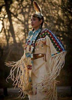 Like Native American Women Style Native American Girls, Native American Regalia, Native American Clothing, Native American Beauty, American Indian Art, Native American History, American Indians, Native Indian, Native Art